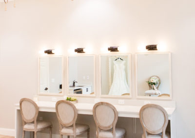 View More: http://images.pass.us/harborside-styled-shoot